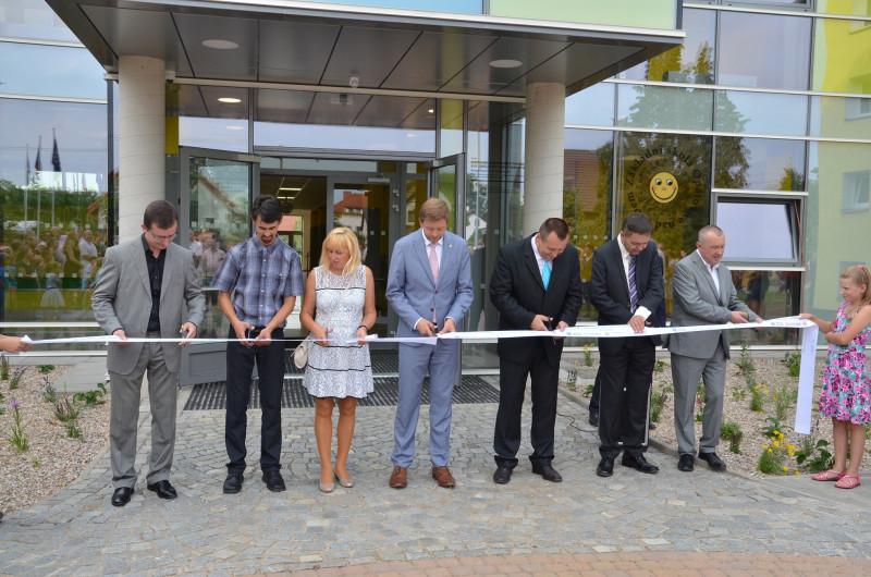 Slavnostní otevření nového centrálního pavilonu ZŠ v Opatovicích nad Labem