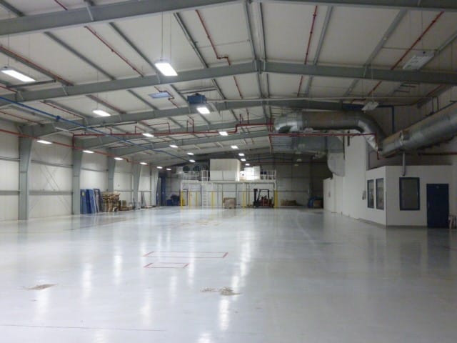Výrobní haly 80 a 100 a přístavba skladu